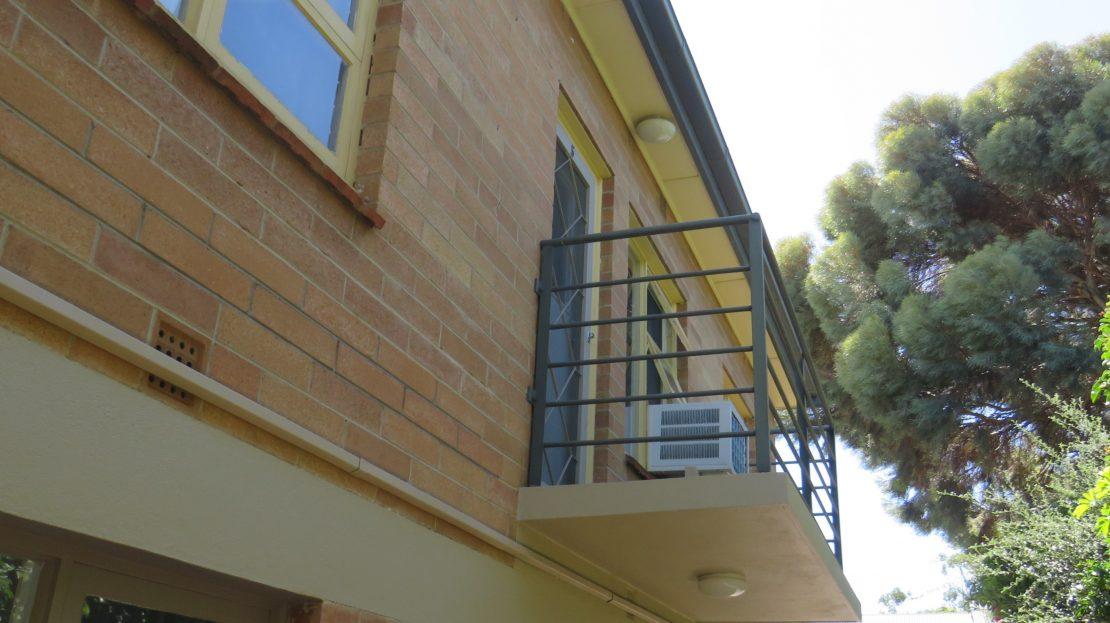 U5 Balcony